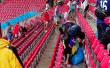 Japanese Fans Stay Behind After World Cup Game to Help Clean Up